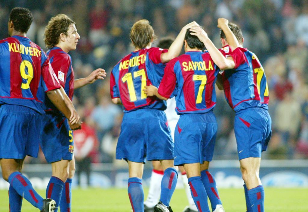 fb770d59680 Nike FC Barcelona jersey 9 Patrick Kluivert 2002 03 home men s S M L ...