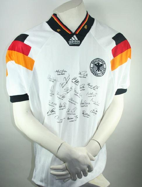 adidas deutschland trikot em 1992 euro 92 team signiert. Black Bedroom Furniture Sets. Home Design Ideas