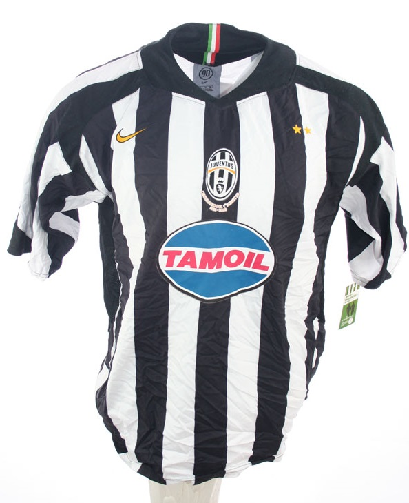 separation shoes 979ed 07a6a Nike Juventus Turin jersey 17 Trezeguet 2005/06 Tamoil home ...