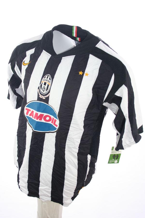 separation shoes 96158 49d44 Nike Juventus Turin jersey 17 Trezeguet 2005/06 Tamoil home ...