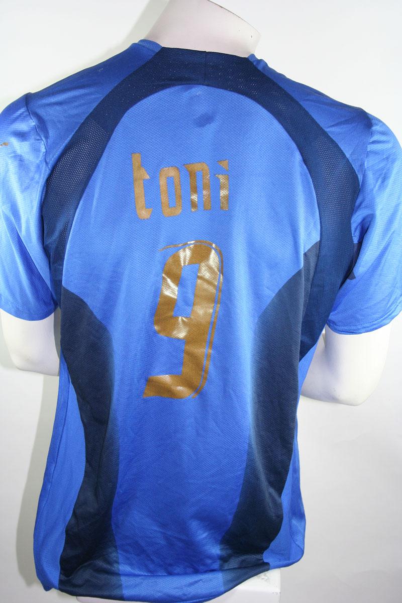 c3de0b38ffc Puma Italy jersey 9 Luca Toni World Cup 2006 world champions blue home  men s L