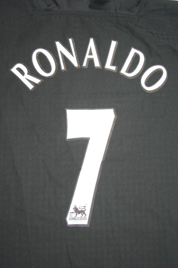 84917677f Nike Manchester United jersey 7 Cristiano Ronaldo 2003 04 Vodafone away  men s XL