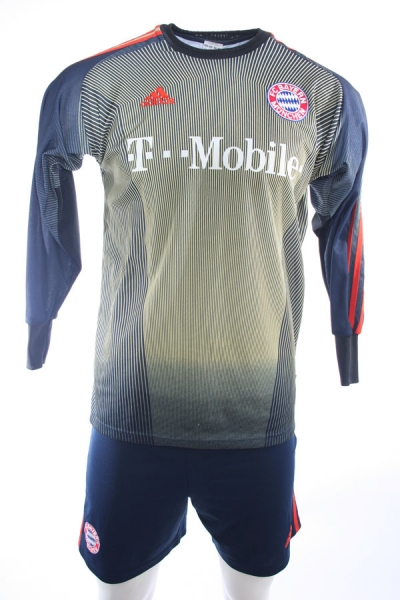 Adidas FC Bayern München keeper Jersey with short 1 Oliver Kahn 2004/05 with shorts men's XS/S/M/L/XL/XXL